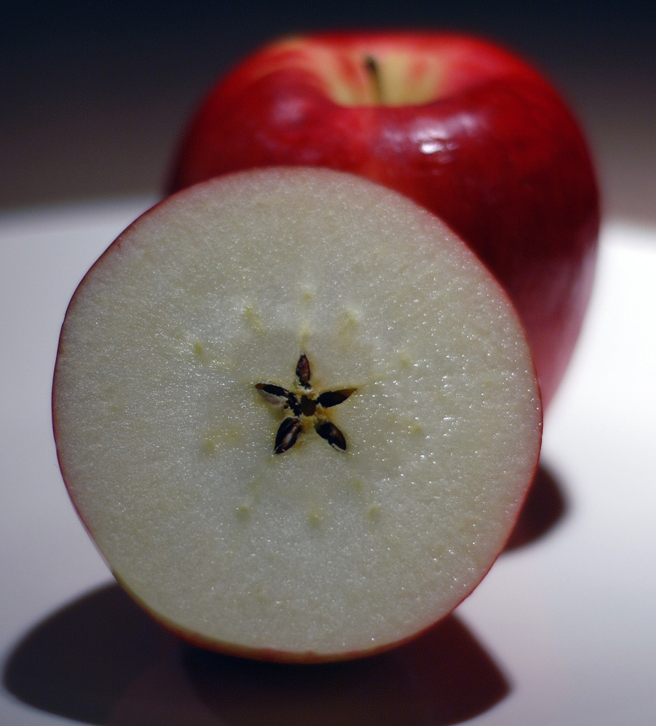 apple-seeds