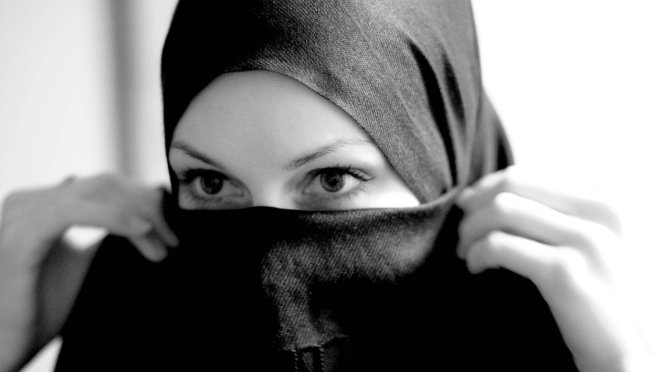 Muslim Woman Instantly Healed