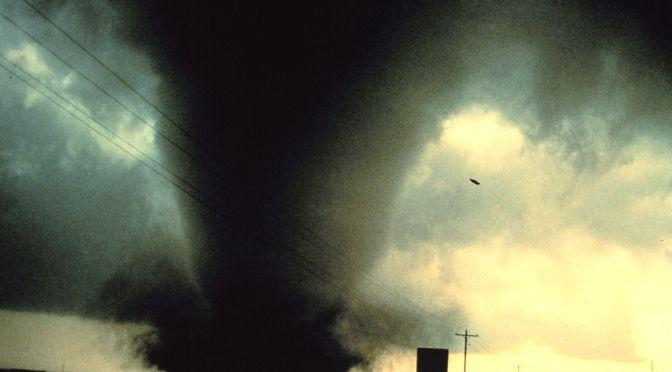 Tornado, Move!